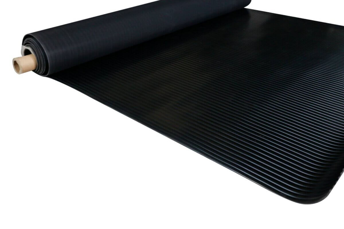 Black wide ribbed rubber